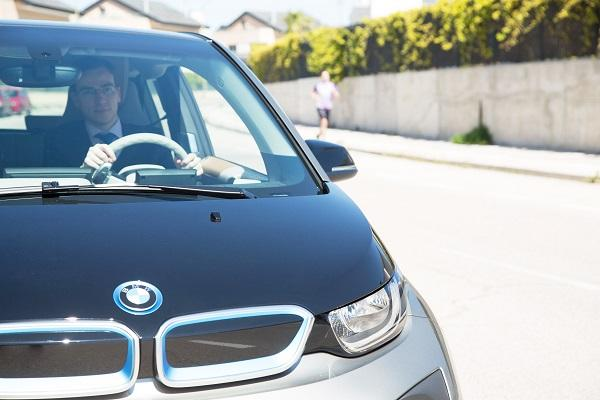 cabify electric la primera categoriacutea de vehiacuteculos eleacutectricos con conductor y flota bmwnbsp
