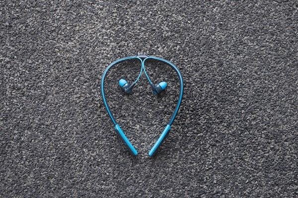 skullcandy expande la liacutenea sport performance con los auriculares method wireless