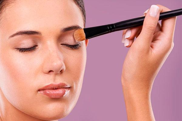 make-up-de-sensilisminimizalos-riesgos-de-aparicion-de-reacciones-no-deseadas-sobre-la-piel
