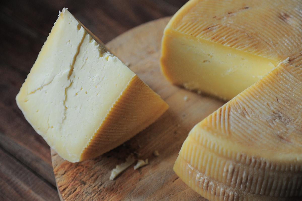 diferencias-entre-un-queso-manchego-con-denominacion-de-origen-y-otro