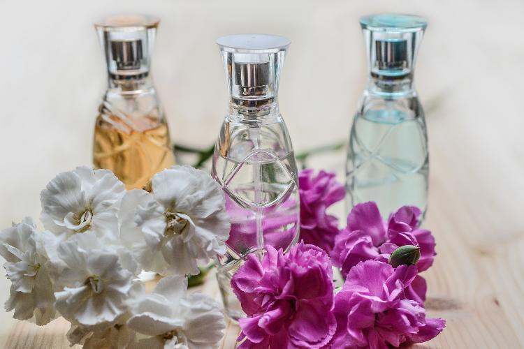 perfumes-frascos-de-ilusion-y-bienestar