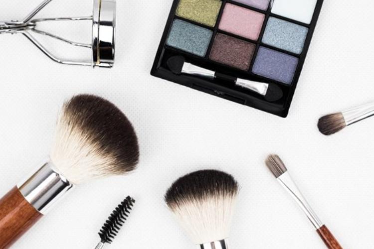 trucos-antiaging-de-maquillaje