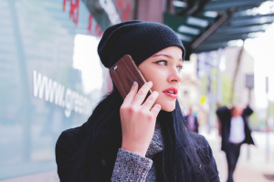 el-telefono-movil-viajar-en-avion-o-la-polucion-factores-de-ries