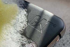 como-desinfectar-los-telefonos-de-uso-profesional-durante-el-covid1