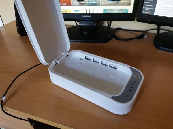 asi-funciona-el-higienizador-de-smartphones-de-dcu-tecnologic