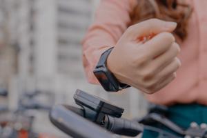 los-futuros-smartwatches-con-wear-os-tendran-hasta-una-semana-de-auto