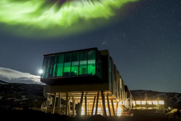 5-alojamientos-unicos-para-ver-auroras-boreales