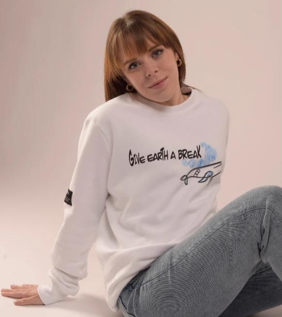 se-una-plasticwarrior-y-viste-prendas-unicas-y-personalizadas