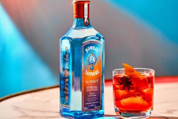 prepara-los-mejores-cocteles-del-verano-con-bombay-sapphire-sunset