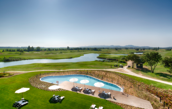 el-hotel-emporda-golf-te-brinda-el-escenario-ideal-para-desconectar