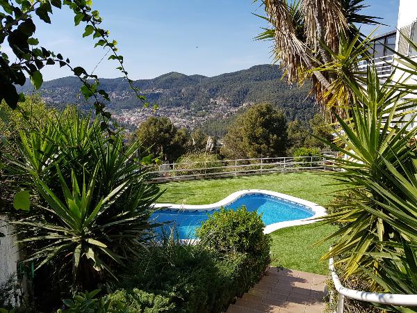 haz-swimmy-alquilando-una-piscina-particular-solo-para-ti
