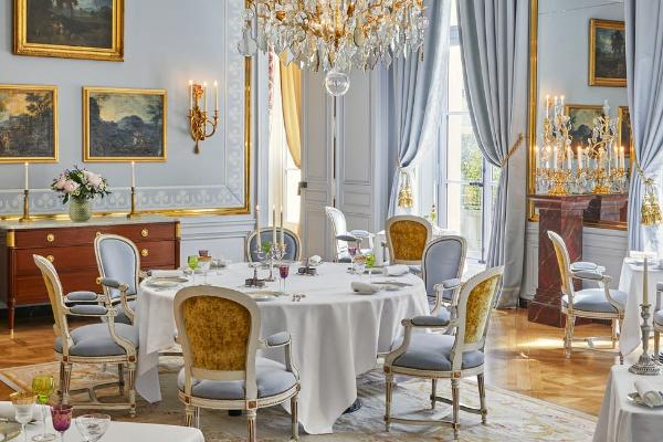 una-noche-de-lujo-en-el-palacio-de-versalles-es-posible